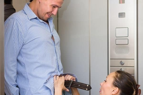 How to give the blowjob in the elevator? 1