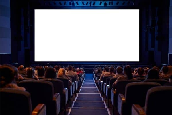 How to give a blowjob in the cinema hall? 1