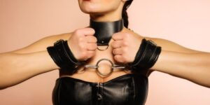 Read more about the article 4 Best Handcuffs for a blowjob: